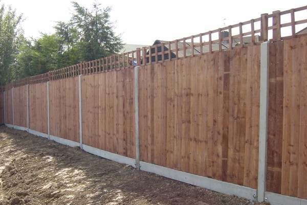 Close Boarded Timber Fencing Basildon