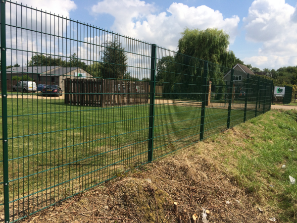 868 Mesh Panel Fencing Basildon Essex