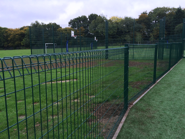 Roll Top Mesh Fencing Brentwood Essex