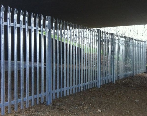 Palisade Fencing, Security Fencing Woodford East London, Industrial Fencing
